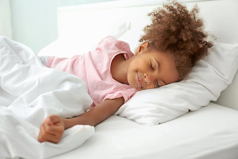 Menina afro-americano pequena foto de stock royalty free