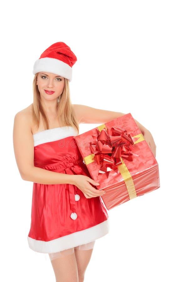 Menina alegre do ajudante de Santa com caixa de presente fotografia de stock royalty free