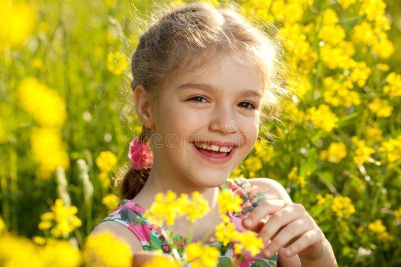 Menina alegre em um vestido leve imagem de stock royalty free