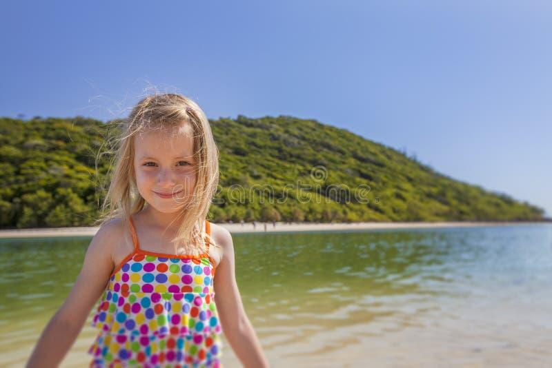 Menina ao lado do mar imagens de stock