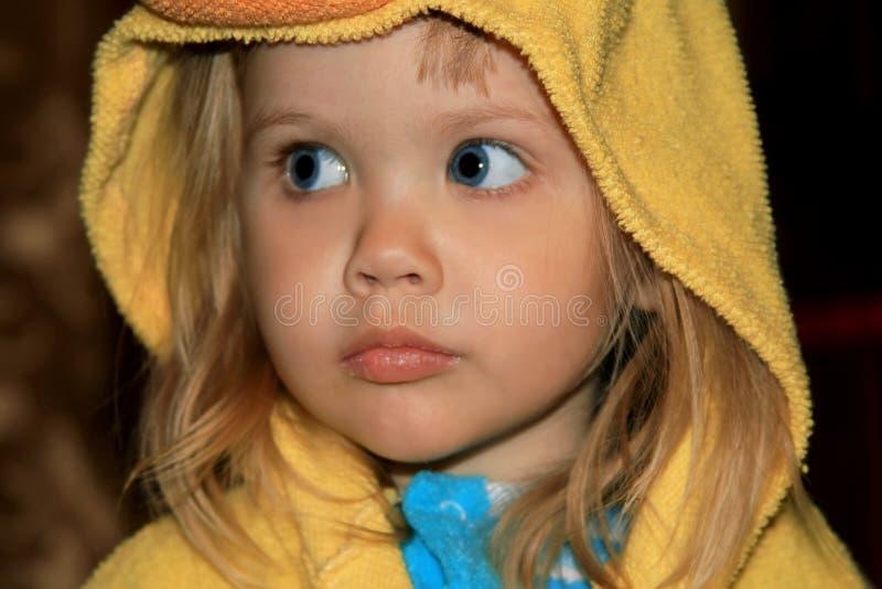 A menina após um chuveiro fotos de stock