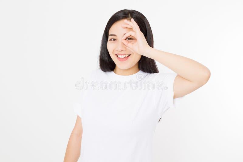 Menina asiática bonita com a pele saudável isolada no fundo branco Conceito de Skincare Saúde branca de sorriso da mulher coreana fotos de stock royalty free