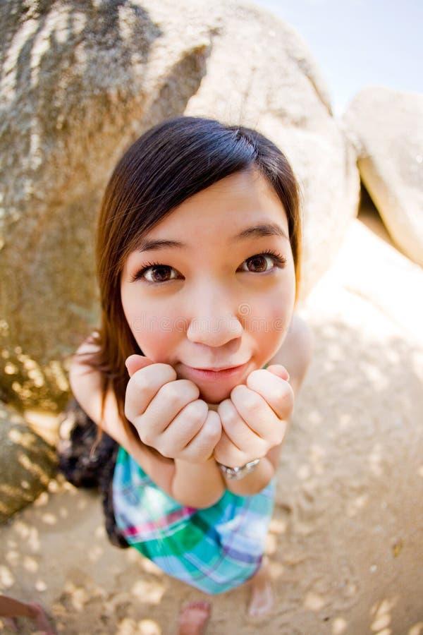 Menina asiática bonita inocente ao ar livre foto de stock