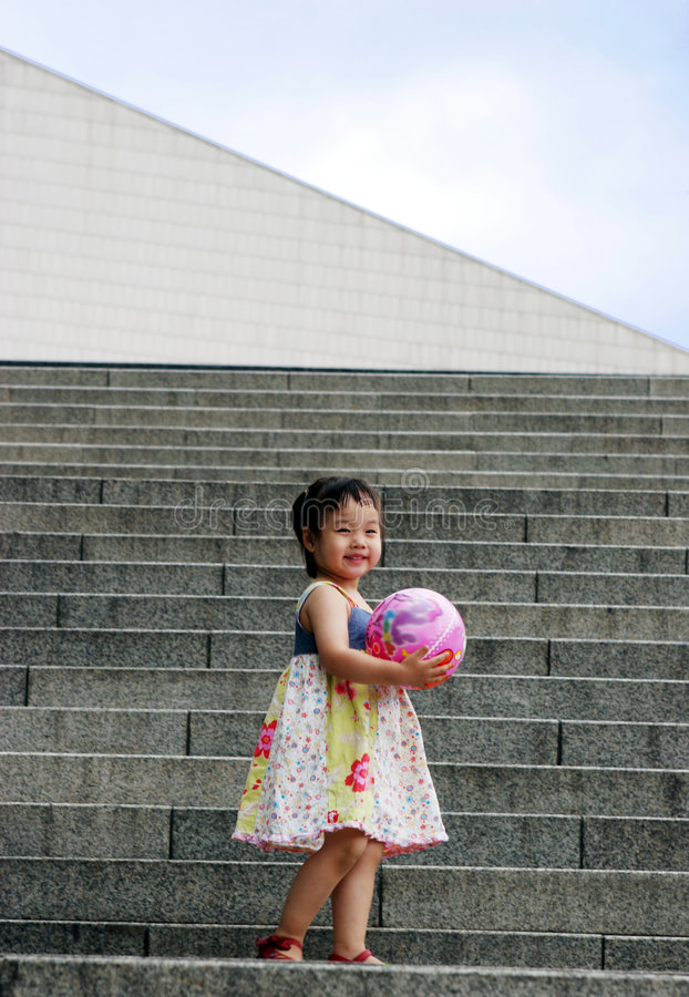 Menina asiática bonito em etapas foto de stock royalty free