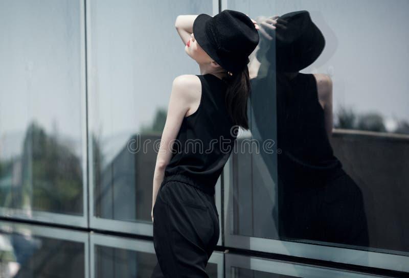 Menina atrativa asiática à moda fotos de stock