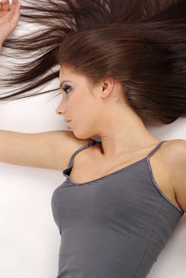 Menina bonita com cabelo longo foto de stock