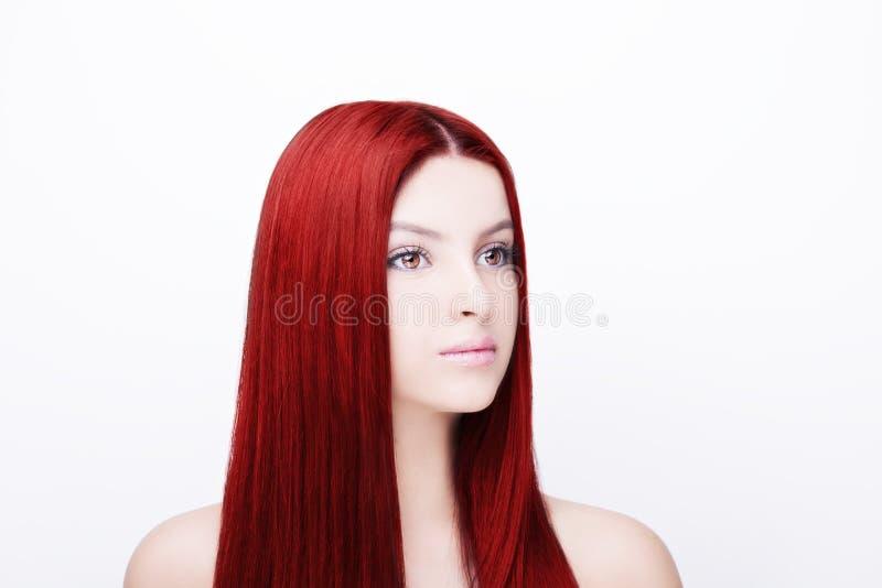 Menina bonita com cabelo longo saudável Isolado no branco imagem de stock royalty free