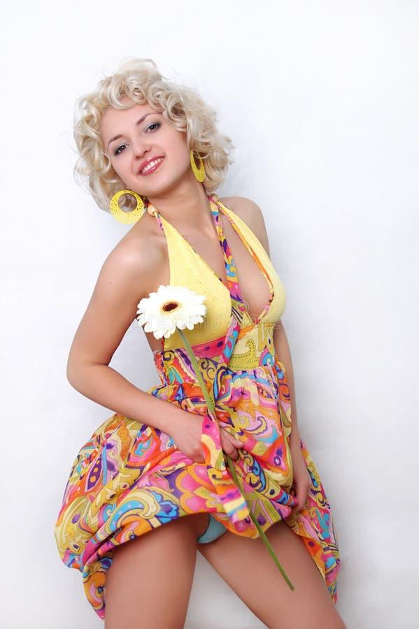 Menina bonita com flor imagens de stock royalty free