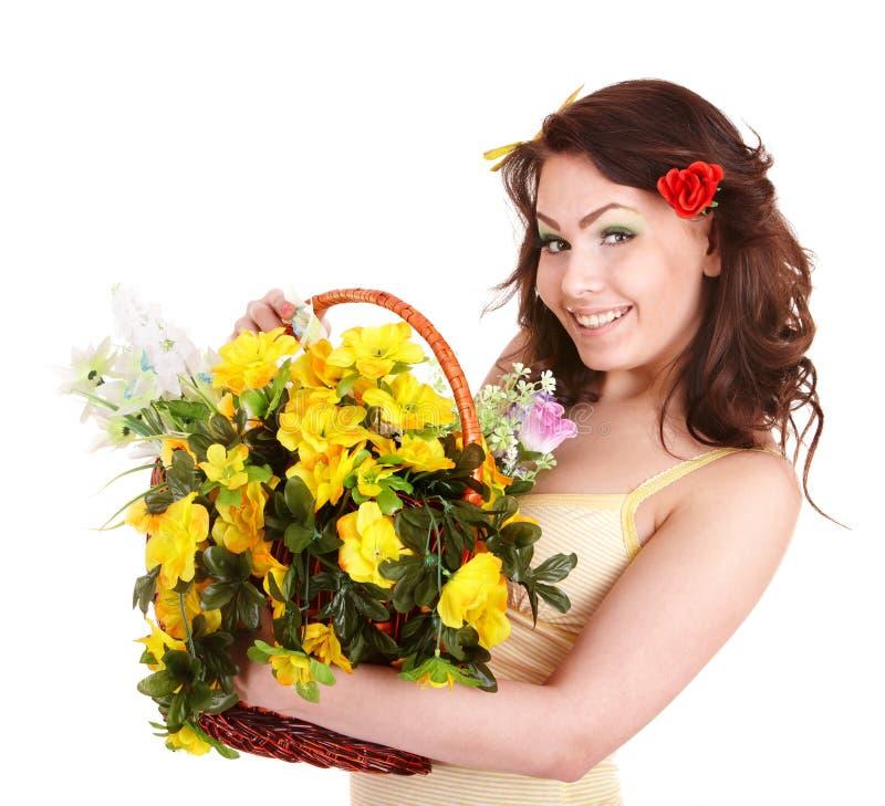 Menina bonita com a flor selvagem da mola. foto de stock