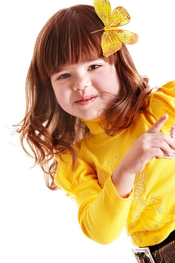Menina bonita com ponto da borboleta. imagens de stock