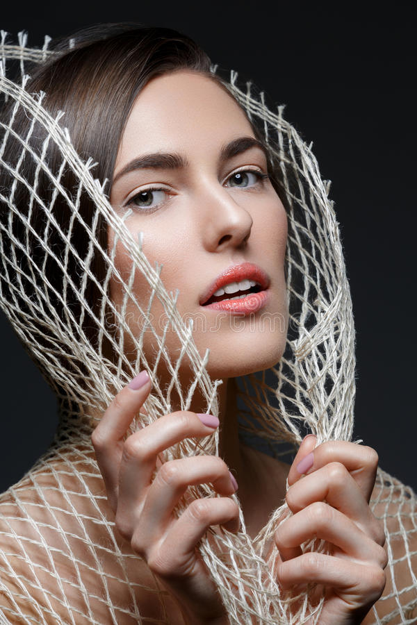 Menina bonita com rede fotografia de stock