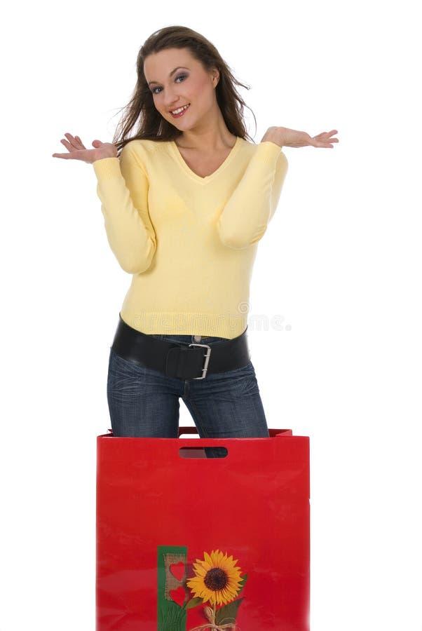Menina bonita com saco de compra fotografia de stock royalty free