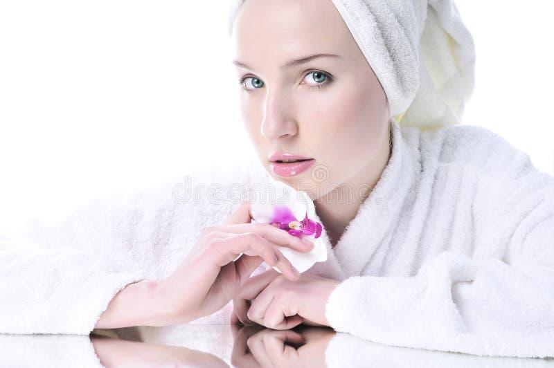 Menina bonita com uma pele well-groomed fotos de stock royalty free