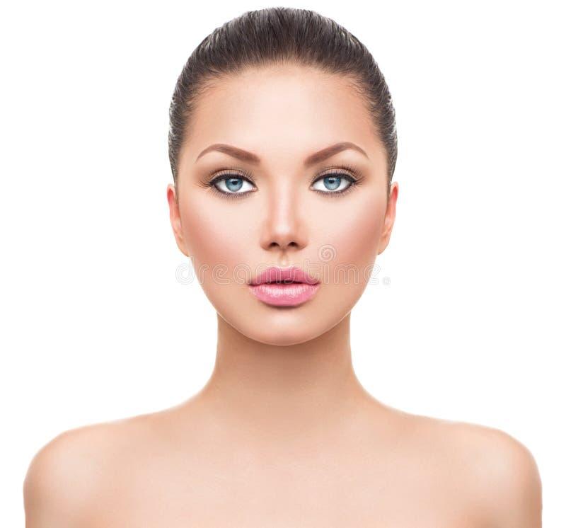 Menina bonita do modelo dos termas com pele limpa perfeita imagens de stock