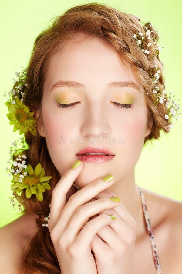 Menina bonita do redhead fotografia de stock royalty free