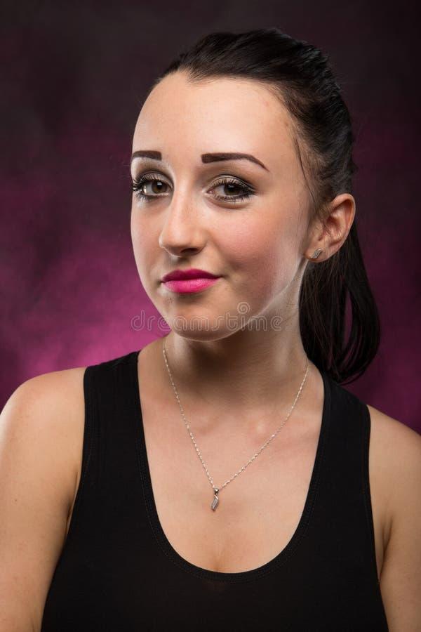 Menina bonita dos retratos no estúdio fotografia de stock royalty free