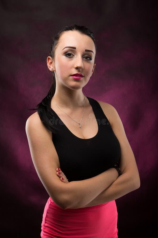 Menina bonita dos retratos no estúdio imagem de stock