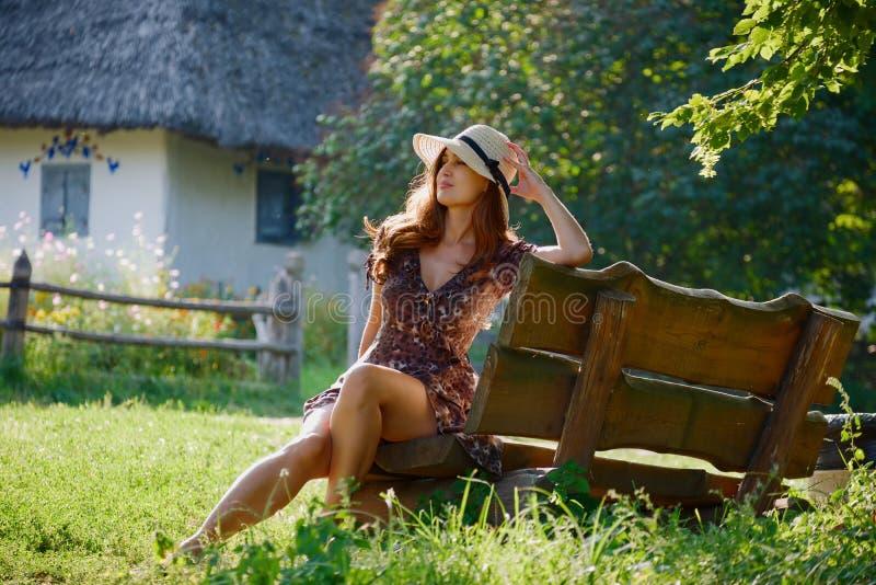 Menina bonita em um chapéu imagens de stock