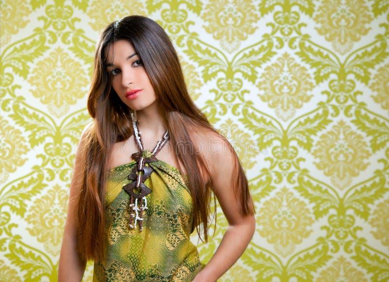 Menina bonita indiana asiática com cabelo longo imagens de stock royalty free