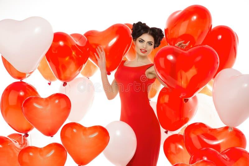 Menina bonita, modelo de forma à moda com os balões na forma imagens de stock royalty free