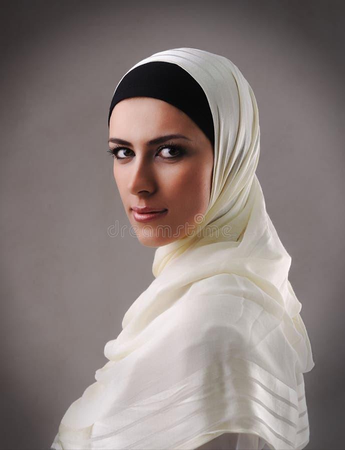 Menina bonita muçulmana fotografia de stock