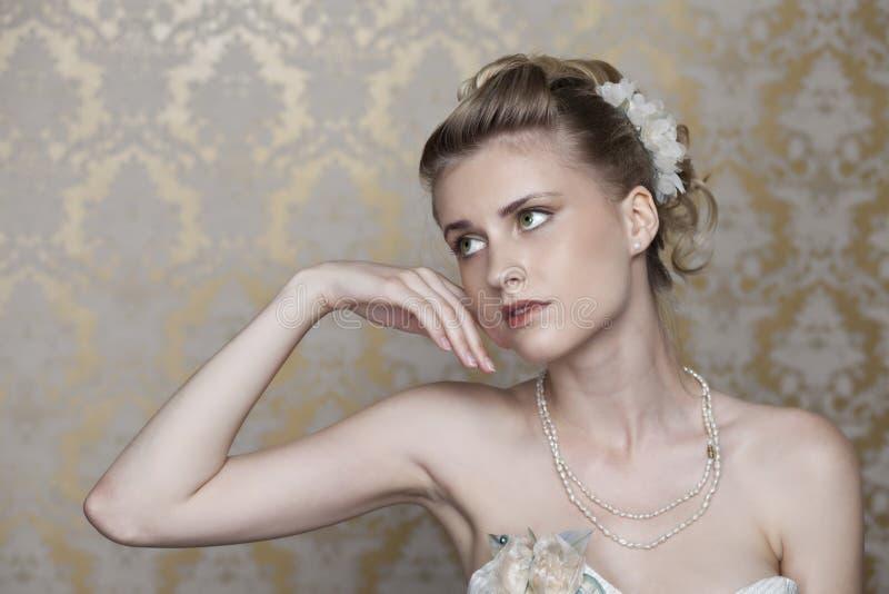 Menina bonita na imagem da noiva fotos de stock royalty free
