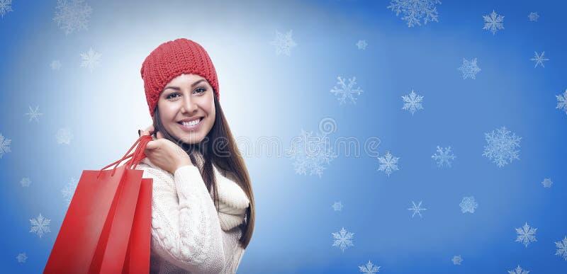 Menina bonita na roupa do inverno imagens de stock royalty free