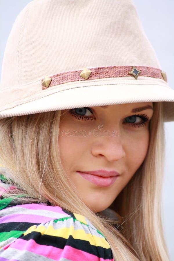 Menina bonita no chapéu fotos de stock royalty free