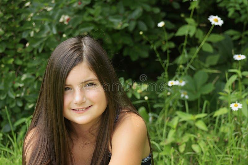 Menina bonita no parque fotos de stock royalty free