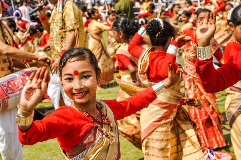 Menina bonita no sari em Assam fotografia de stock