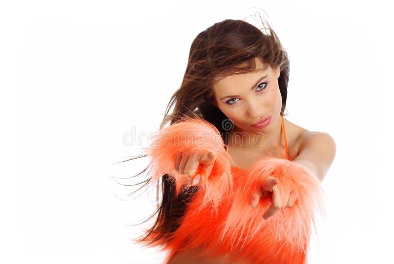 Menina bonita no traje alaranjado foto de stock royalty free