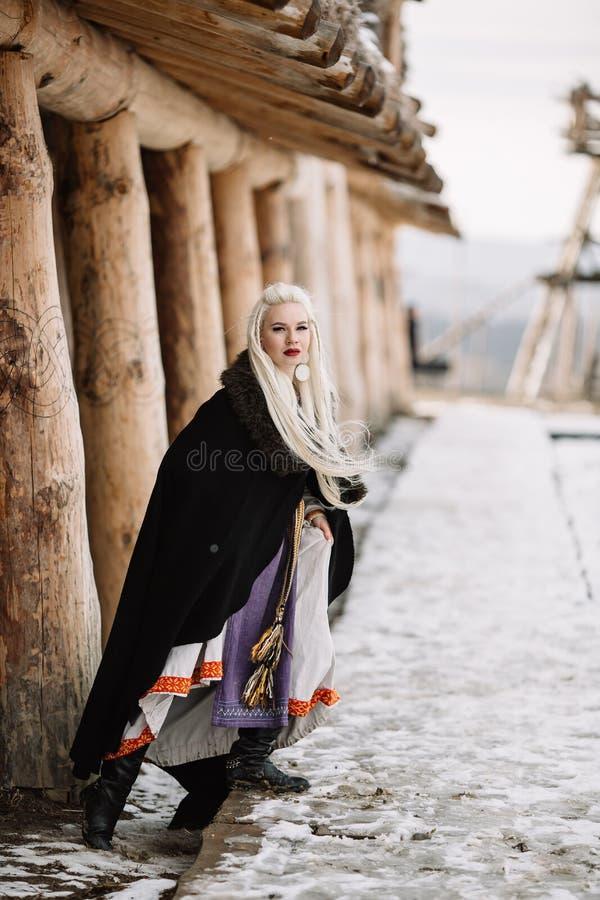 Menina bonita viquingue fotos de stock royalty free
