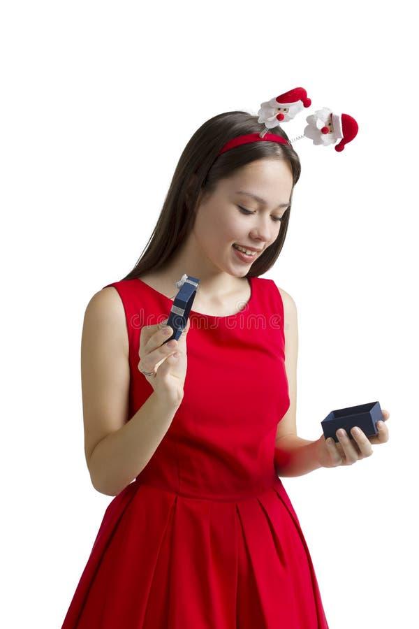 Menina bonito com as orelhas cor-de-rosa do coelho no fundo branco no estúdio foto de stock royalty free