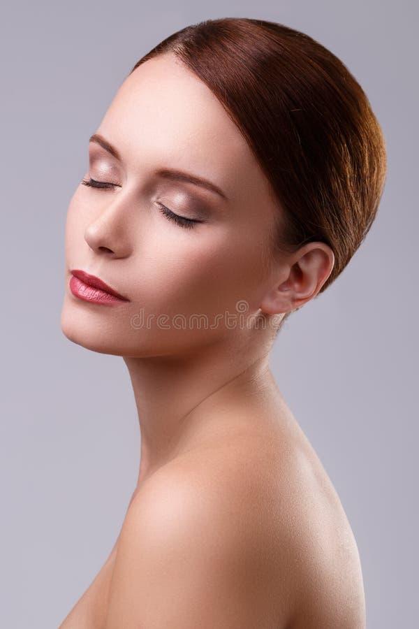 Menina bonito com cara bonita imagens de stock royalty free