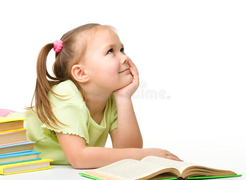 Menina bonito com livros foto de stock