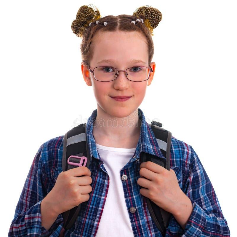 Menina bonito da escola da criança em um tshirt quadriculado azul fotos de stock royalty free