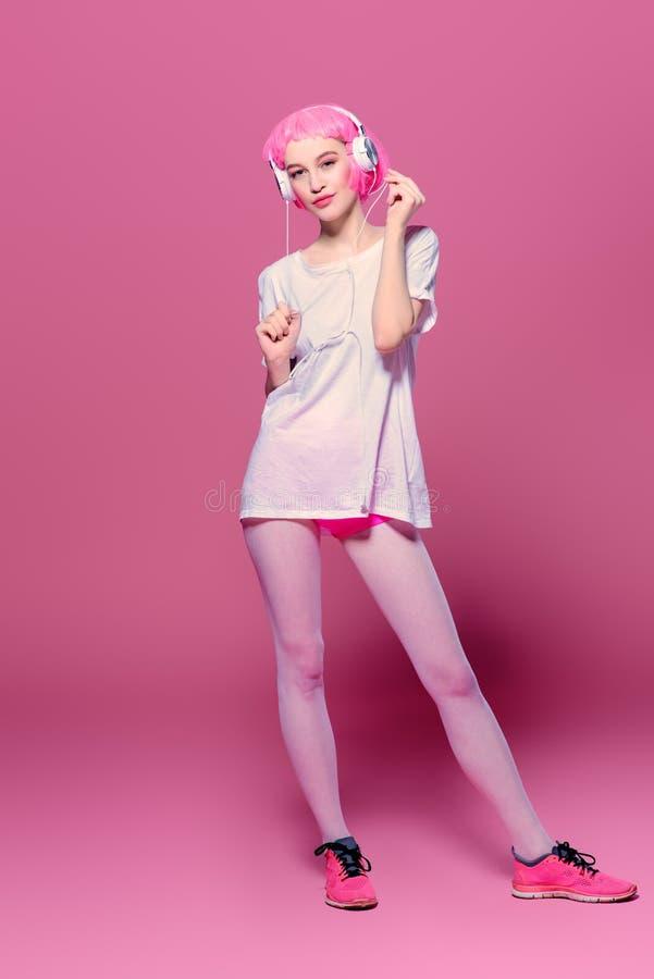 Menina brilhante na moda fotografia de stock