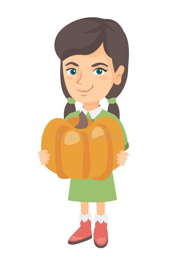 Menina caucasiano que está com uma abóbora alaranjada grande ilustração stock