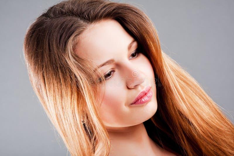 Menina charming bonita do adolescente foto de stock