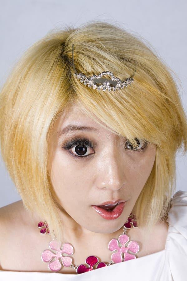 Menina chinesa curiosa imagem de stock