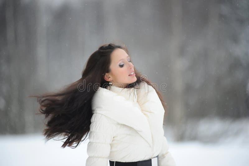 Menina com cabelo de fluxo fotos de stock royalty free