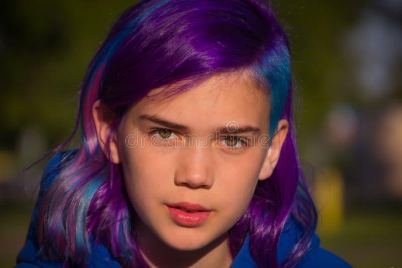 Menina com cabelo extremo fotos de stock