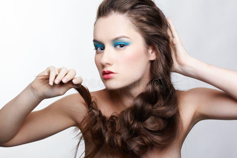 Menina com hair-do creativo fotos de stock royalty free