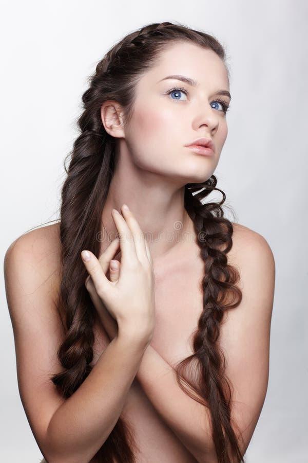 Menina com hair-do creativo foto de stock