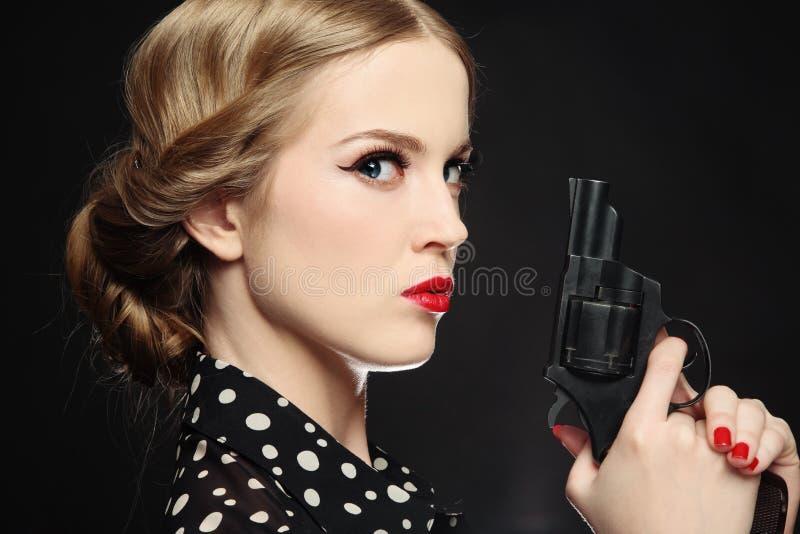 Menina com injetor foto de stock
