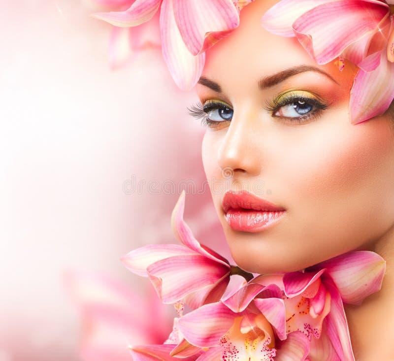 Menina com orquídea foto de stock