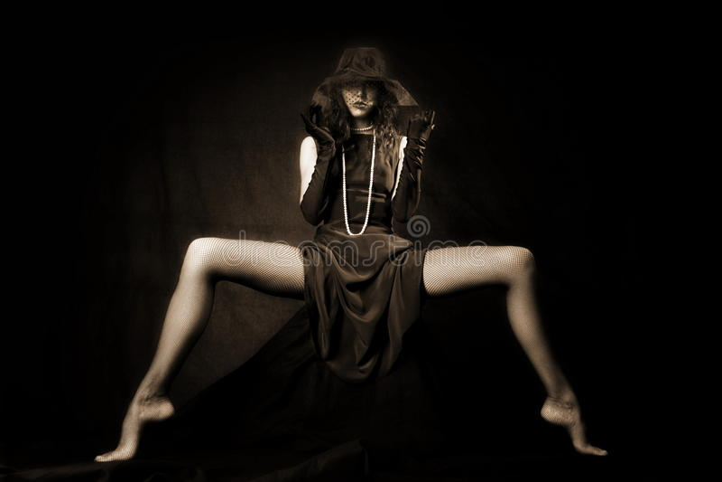Menina com pés longos foto de stock royalty free