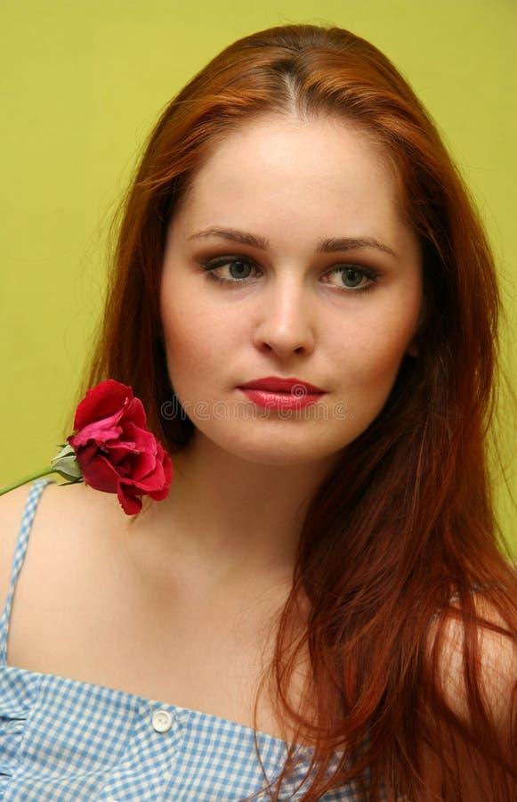Menina com a rosa foto de stock royalty free