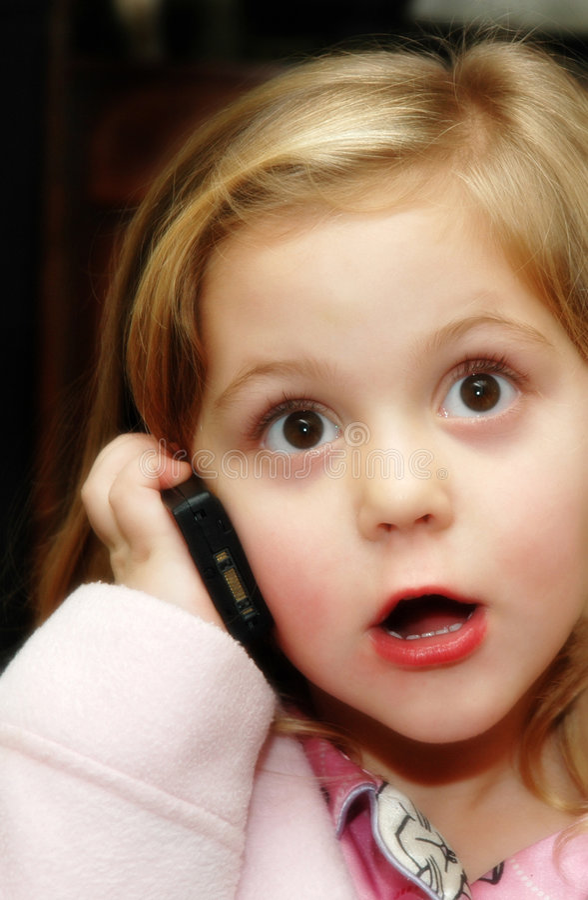 Menina com telefone fotos de stock royalty free