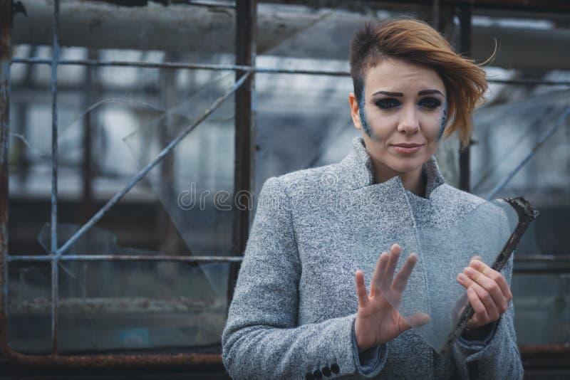 Menina com um estilhaço foto de stock
